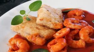 File de peixe ao molho de camarão