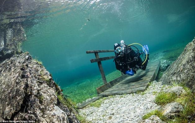 Mergulhador-faz-imagens-incríveis-de-Parque-submerso-5