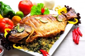 peixe na brasa com farofa